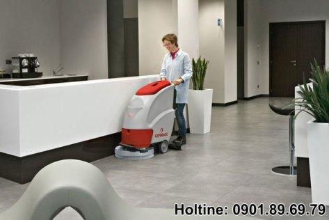 máy chà sàn công nghiệp comac